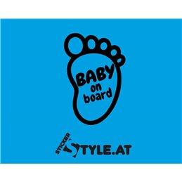 Baby in Board Fuß